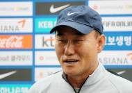 """김학범 감독 """"우즈벡전, 준비·실험 동시에 하겠다"""""""