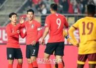 [한국-스리랑카] '양봉업자' 손흥민, '노란색' 스리랑카도 예외 없었다