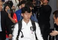 """北 """"축구경기 홍보 말라""""···40명vs10만명, 외로운 평양 승부"""