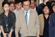 """리얼미터 """"민주당 지지율, 중도층 이탈로 심각한 상황"""""""