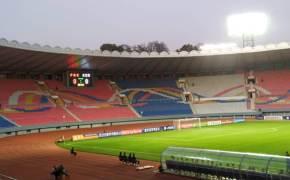 희한한 평양 남북축구, 결국 관중도 골도 없이 끝났다