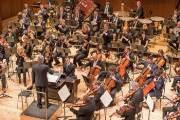 음악의 강렬한 감정으로 한국 위로한다