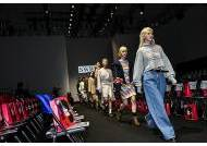 '뷰티'와 '패션'의 경계를 바느질로 잇다, 아임쏘리포마이스킨 2020 S/S 서울 패션 위크 참가