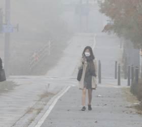 中미세먼지에 고비사막 황사 겹쳤다…오늘밤 미세먼지 '최악'