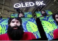 내년 8K TV 판매 전망 넉달새 59% 줄어