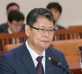 """김정은 비판한 선임자는 <!HS>김정일<!HE>? 김연철 """"정책전환인지 분석"""""""