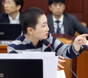 """홍준표 """"<!HS>국감<!HE>장 분전하는 이언주, 잔 다르크 연상 시켜"""""""