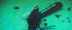 """해군<!HS>,<!HE> """"블랙박스<!HS>,<!HE> 보이스 레코드 장착된 <!HS>추락<!HE> <!HS>헬기<!HE> 꼬리 부분 발견"""""""