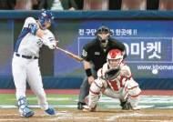 프리미어12 캡틴 김현수, 낯선 투수에 강한 '국제대회용'