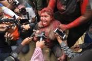 혼돈의 볼리비아···女시장 끌어내 머리카락 자르고 붉은 페인트칠