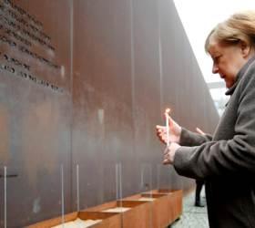 """메르켈 """"자유 당연한 것 아니다"""" 장벽 붕괴 30주년에 위기론"""