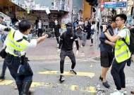 """""""실탄 맞은 홍콩 남성, 콩팥·간 일부파열…생명엔 지장없어"""""""