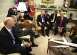 """트럼프 """"시리아 주둔 이유는 오직 석유뿐"""""""