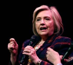 """힐러리 <!HS>클린턴<!HE> """"온라인 협박으로 불출마 속출, 파시즘으로 가는 길"""""""