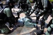 """""""중국, 홍콩의 통제불능·몰락 내버려두지 않을 것"""" 中 CCTV"""