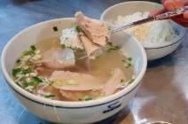 뜨끈한 고깃국에 깍두기… 한겨울 국밥 한 그릇의 위력