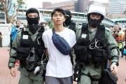 홍콩 경찰 토끼몰이에 시위대 고립…하수관 탈출도 실패