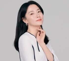 """14년 만에 돌아온 <!HS>이영애<!HE> """"고통 덜어내고 따뜻함으로 삭였다"""""""