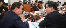 [<!HS>취재일기<!HE>] 김재원 참석 놓고 벌어진 예결위 파행 보며 떠오른 질문