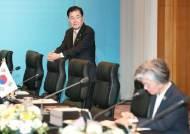 """정의용·윤도한의 일본 맹비난…""""문 대통령 재가 없인 못할 말"""""""