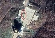 북한 ICBM 발사기지 동창리에 트럭·장비 분주