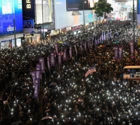 """홍콩 구의원 <!HS>선거<!HE> 후 첫 시위…""""80만명 거리로 <!HS>나<!HE>와"""""""
