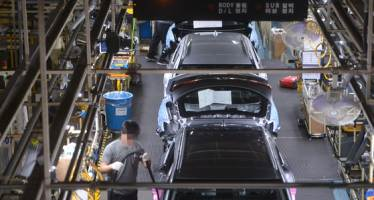 수출 부진에 노사 갈등…자동차 생산 연 400만대 붕괴 위기