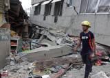 필리핀 6.8 강진 사망자 최소 3명으로 늘어