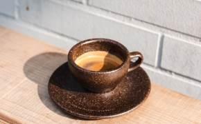 1인 연 353잔 마시는 커피, 찌꺼기로 테이블·선글라스 만든다