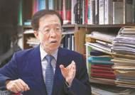 """[안혜리의 직격인터뷰] """"지나친 경제의 정치화…침몰하는 타이타닉호 같다"""""""