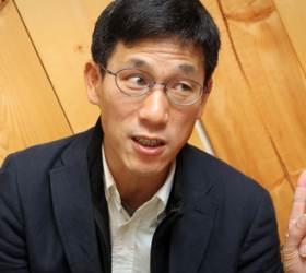 """진중권 """"이종걸, '文 재신임은 <!HS>박정희<!HE> 유신'이라더니"""""""