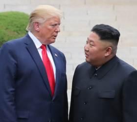 """<!HS>김정은<!HE><!HS>,<!HE> <!HS>판문점<!HE> 회동서 <!HS>트럼프<!HE>에 """"제재 해제 집착 않을 것"""""""