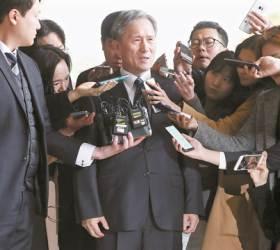 [view] <!HS>김관진<!HE> 항소심의 반전…사이버사 댓글 되레 선거때 줄었다