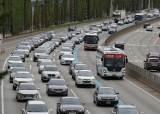 설 연휴 운전, 귀성 첫날이 가장 위험… 평소보다 사고 22% 증가