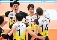 '레오 31점' OK저축은행, 한국전력 꺾고 12승