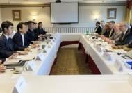 주한미군 무급휴직 설명회까지···美, 방위비 '2월 타결' 압박
