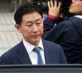경찰, '<!HS>스폰서<!HE> <!HS>검사<!HE>' 김형준 의혹 수사…檢은 3년전 무혐의