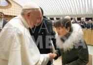 """교황의 사과, 버럭했던 여신도에 """"나도 종종 인내심 잃는다"""""""