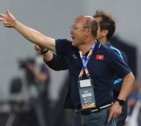 AFC, 박항서 감독에 4경기 출전 정지 징계