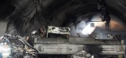 질산 2만L 탱크로리가 뒤집혔다 뒤따르던 30대 추돌, 46명 사상