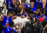 팀 르브론, 대접전 끝 팀 야니스 꺾고 NBA올스타전 우승