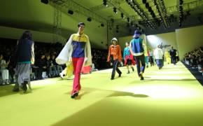 샤넬도 프라다도 아시아 안온다, 코로나에 숨막힌 패션업계