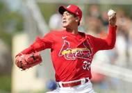 김광현, MLB 첫 시범경기 등판...삼진 2개로 합격점