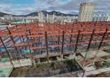 [이코노미스트] 슬럼화·안전 위협 '도심 흉물'···짓다 만 건축물 전국에 356개