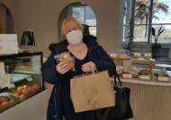"""""""지역에서 산 꽃·빵, 여성 의료인 전달"""" 전주시 '여성의 날' 캠페인"""