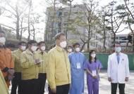 [코로나 종합] 서울·경기 제외 전국 하나로마트서도 마스크 5부제 시행