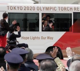 [<!HS>한컷플러스<!HE>+] 바람 앞 등불… 도쿄올림픽 성화 일본 도착!