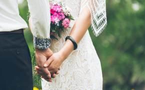 코로나에 올핸 '한여름 결혼식'···봄 예약, 7~8월로 대거 이동