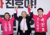 """하루에 14곳 돌아다닌 김종인 """"선거 도움되는 거 다 하겠다"""""""