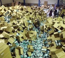 [<!HS>한컷플러스<!HE>+] '순례길' 스페인 산티아고 데 콤포스텔라에서 마스크 200만장 도난 사건 발생